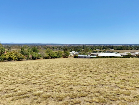 7 Crows Ash Crescent Kingaroy, QLD 4610