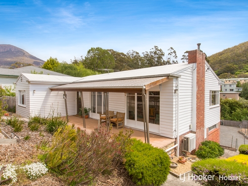 123 Cascade Road South Hobart, TAS 7004