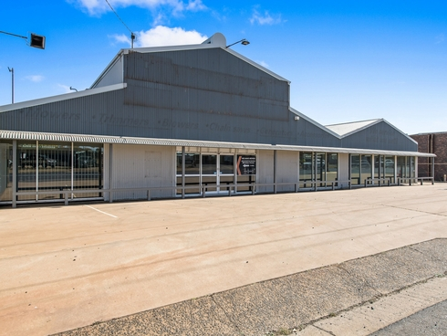 203 Anzac Avenue Harristown, QLD 4350