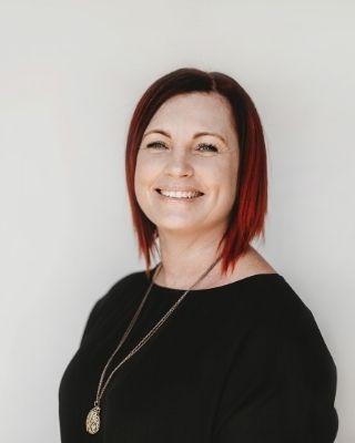 Coralie Barton profile image