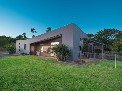 2 Finemore Crescent Qunaba, QLD 4670