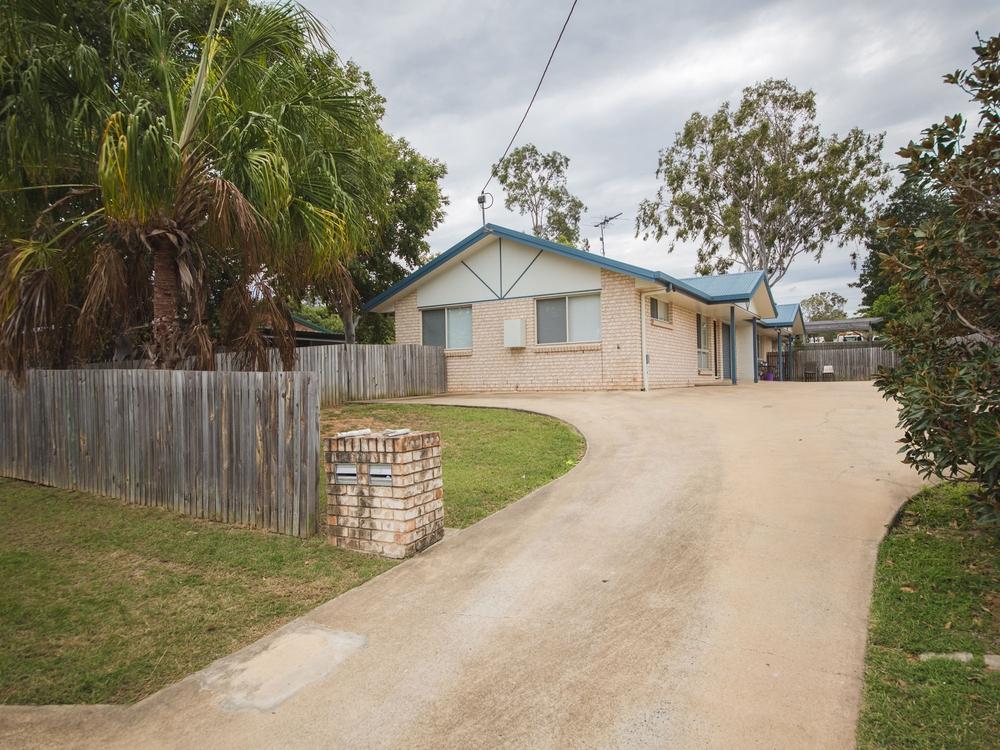 14A & 14B Sydney King Close Gracemere, QLD 4702