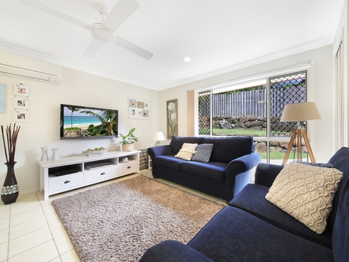 1/13 Tarrabool Drive Elanora, QLD 4221