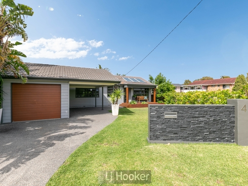 4 Melton Place Croudace Bay, NSW 2280