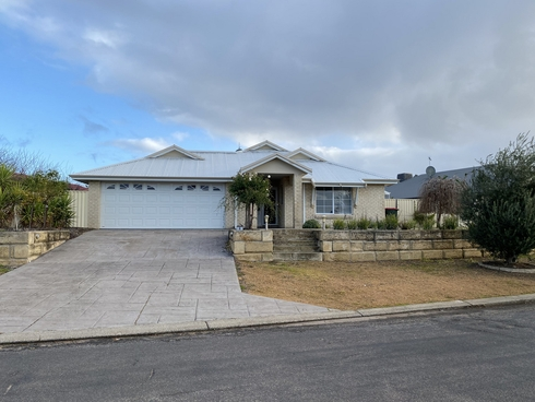 8 Jacaranda Loop Collie, WA 6225