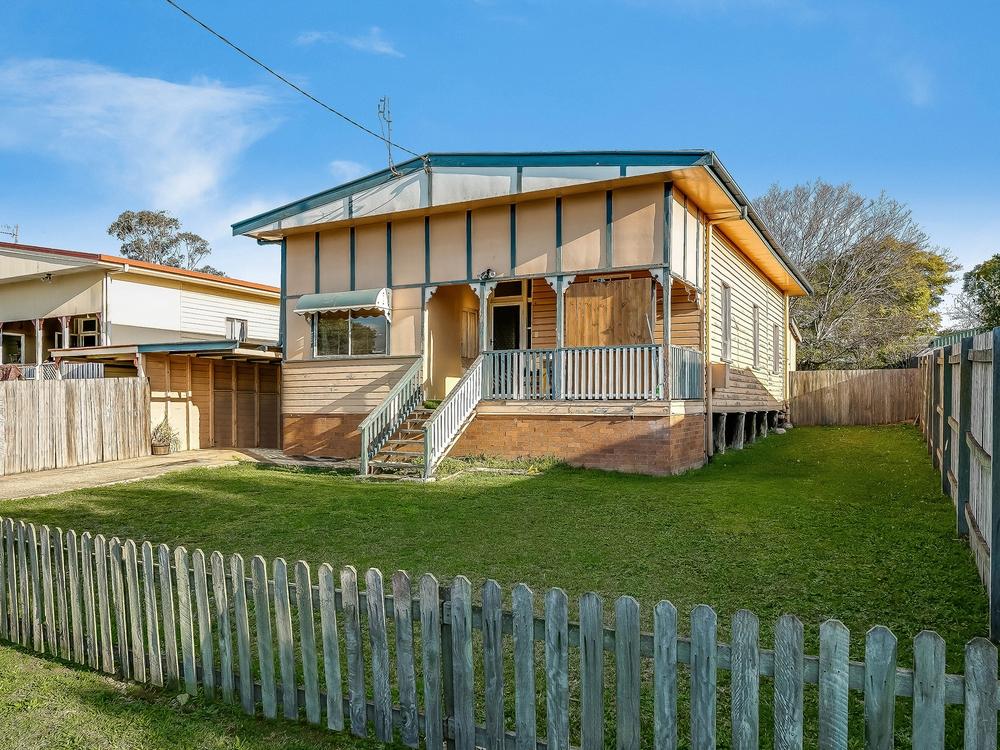 12 Swallow Court Newtown, QLD 4350