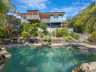11 Windward Rise Pacific Pines , QLD, 4211