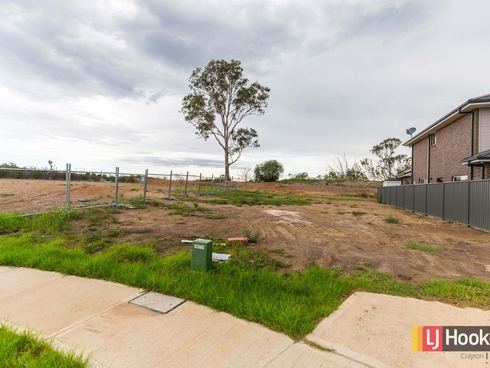 23 Woodgrove Place Glenmore Park, NSW 2745