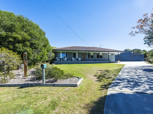 8 Binnowee Close Iluka, NSW 2466