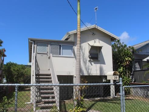 28 Central Street Labrador, QLD 4215