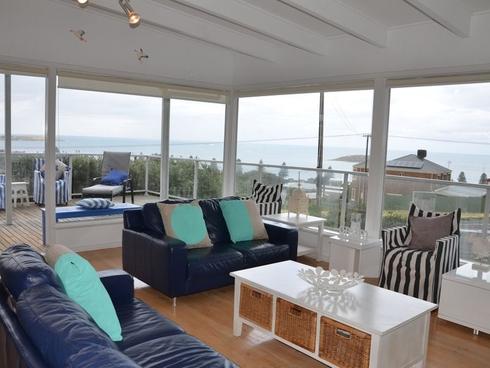 8 Wright Terrace Encounter Bay, SA 5211