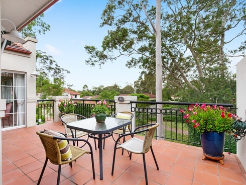 Apartment 5/10 Hillcrest Drive St Ives, NSW 2075