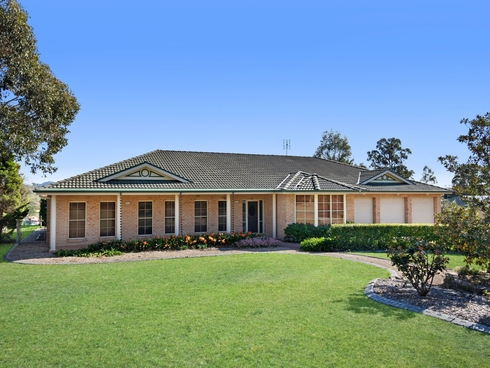 40 Tea Tree Avenue Aberglasslyn, NSW 2320