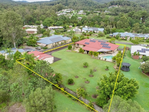 18 Pasture Place Mount Nathan, QLD 4211