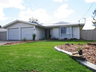 19 Alexander Avenue Roma , QLD, 4455