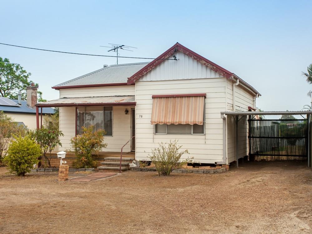 70 Armidale Street Abermain, NSW 2326