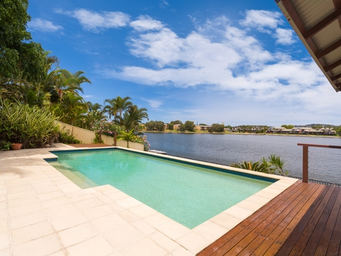84 Honeyeater Drive Burleigh Waters, QLD 4220