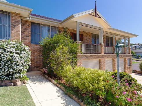 2 Hume Close Macquarie Hills, NSW 2285