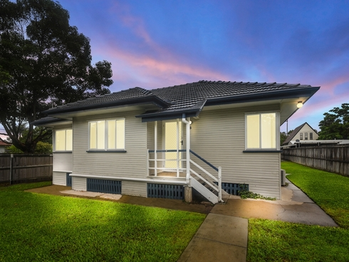 18 Teevan Street Stafford, QLD 4053