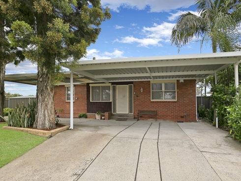 1 Midway Place Lethbridge Park, NSW 2770