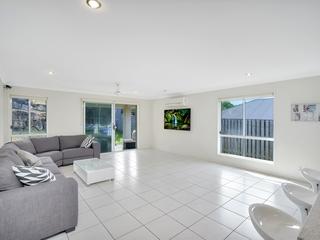 45 Barrington Street Pacific Pines , QLD, 4211
