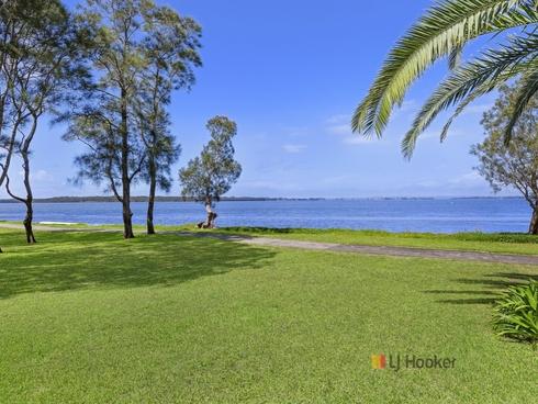 132 Diamond Head Drive Budgewoi, NSW 2262