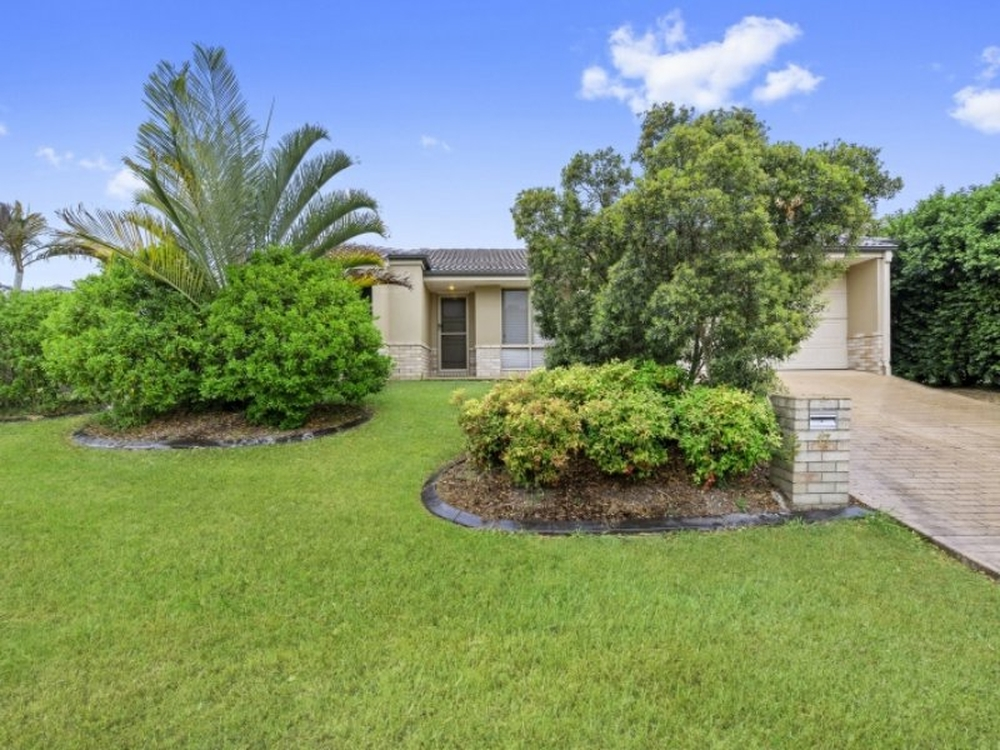 17 Almond Way Bellmere, QLD 4510