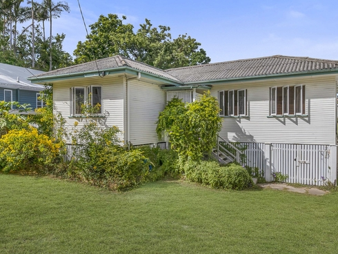 87 Plimsoll Street Greenslopes, QLD 4120