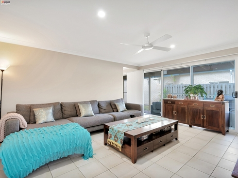 17 Norfolk Drive Pacific Pines, QLD 4211
