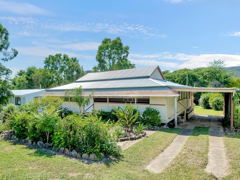 30 Down Street Esk, QLD 4312