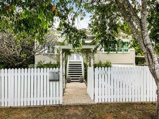 5 Luya Street Fairfield , QLD, 4103