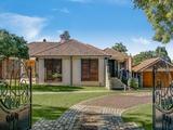70 Mackenzie Street Mount Lofty, QLD 4350