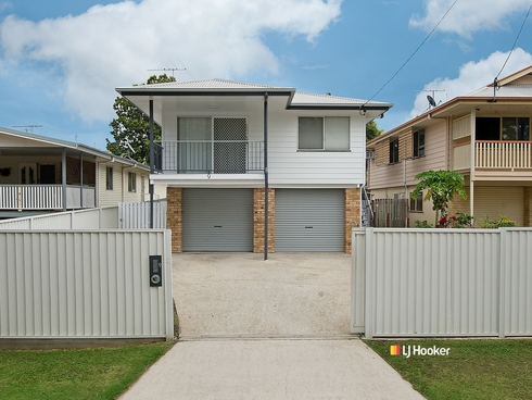9 Cliff Street Kallangur, QLD 4503