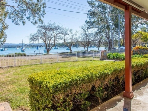 143 Bay Road Bolton Point, NSW 2283