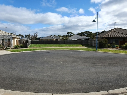 6 Seaspray Court Indented Head, VIC 3223