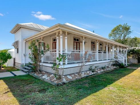 19 Highland Street Esk, QLD 4312