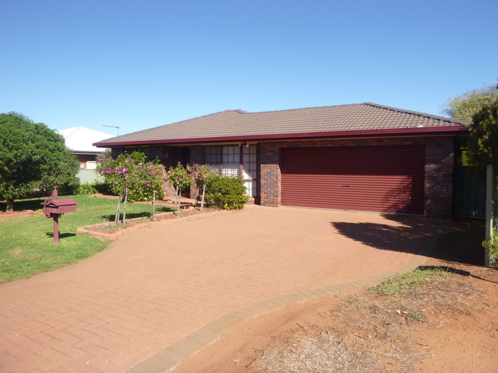 35 Page Ave Dubbo, NSW 2830