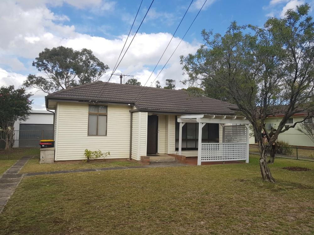 19 Koonawarra Street Villawood, NSW 2163