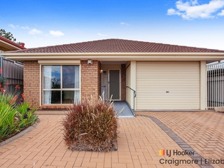 33 Cambridge Terrace Hillbank , SA, 5112