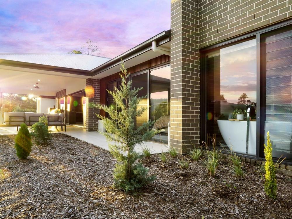 16 Darwalla Road Mount Nathan, QLD 4211