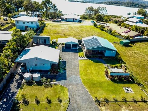 27-29 Tenanne Street Russell Island, QLD 4184