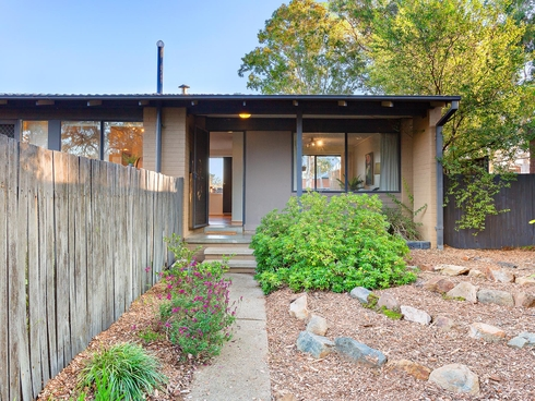 11 Squire Place Charnwood, ACT 2615