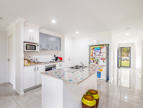 21 Pedersen Road Southside, QLD 4570