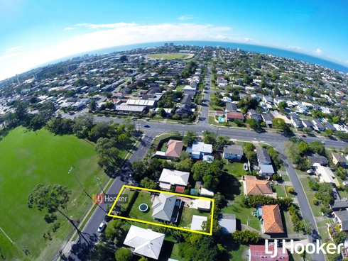 5 Henzell Street Redcliffe, QLD 4020