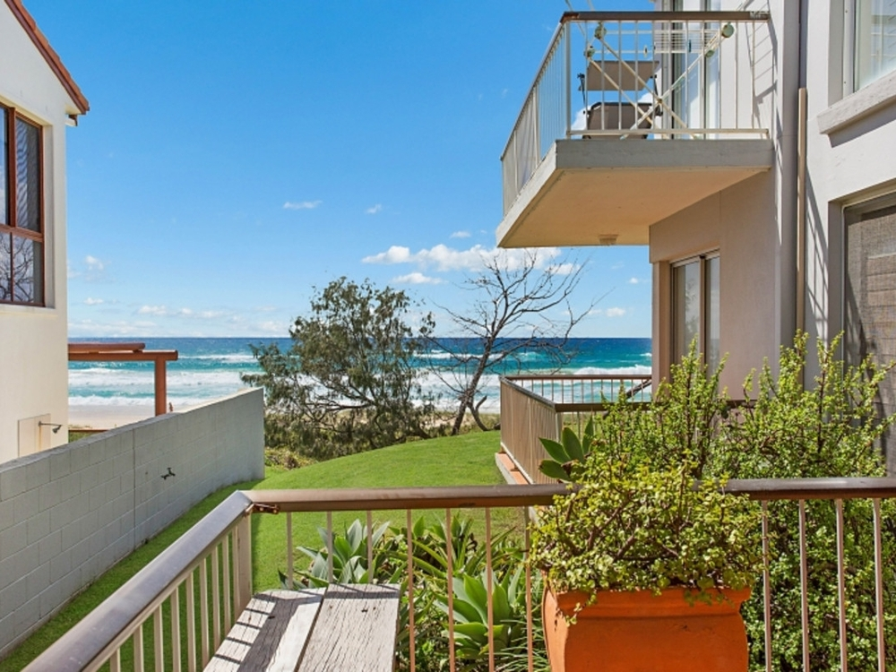 3/107 Hedges Avenue Mermaid Beach, QLD 4218
