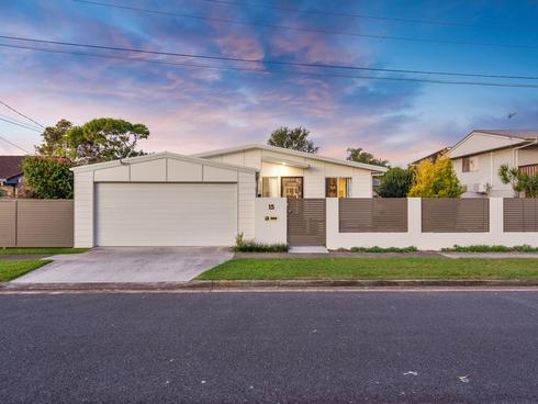 15 Cabarita Street Biggera Waters, QLD 4216