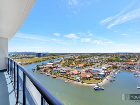 11104/5 Harbour Side Court Biggera Waters, QLD 4216