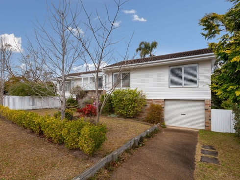 2 Barbara Crescent Denhams Beach, NSW 2536