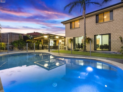 15 Palm Street Pacific Pines, QLD 4211
