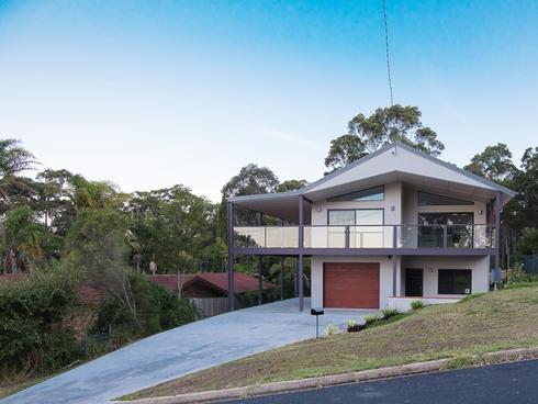 5 Dell Parade Moruya Heads, NSW 2537
